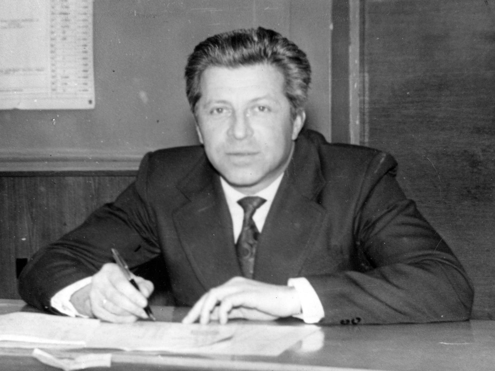 Доцент А.Н. Андреев за соcтавлением расписания занятий
