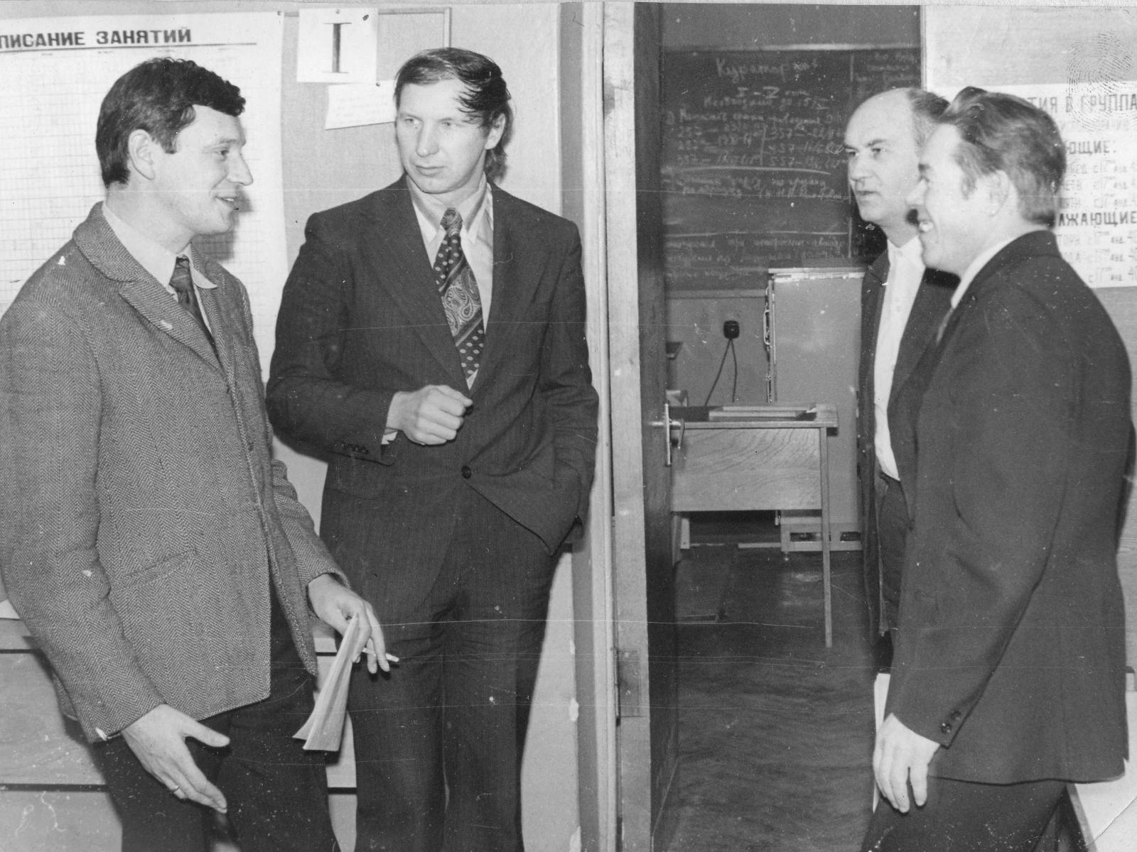 Слева-направо В.Л. Дорот, И.П. Горчаков, В.К. Бреев, И.А. Старостин