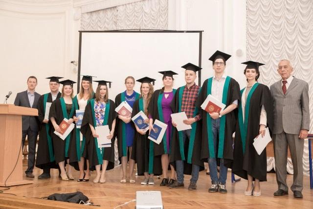 news-2016-aug-diploma-1