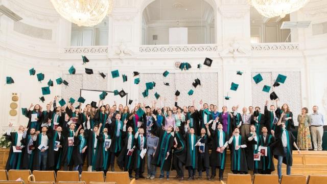 news-2016-aug-diploma-2